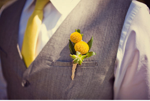 yellow-billy-button-vintage-wedding